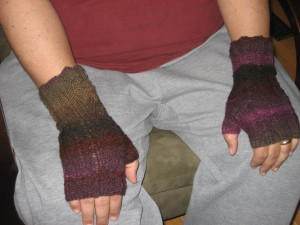 Manly fingerless gloves with cable