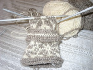 Norwegian mitt in the making