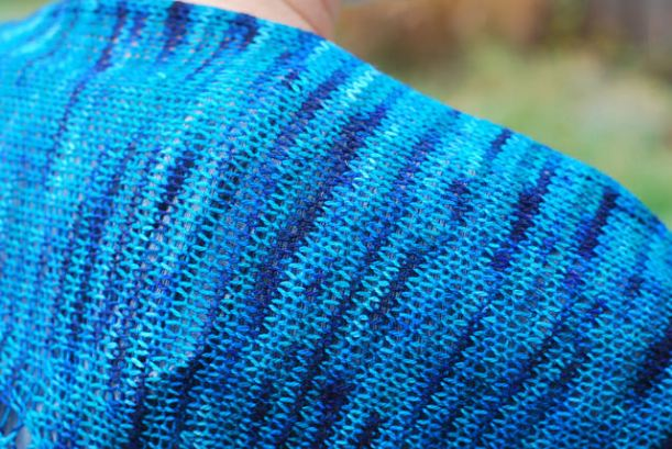 Onder shawl detail of Yarn Carnival High Wire yarn handknit by irieknit